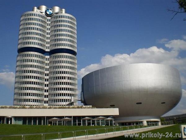 Мюнхенских музей мотоциклов BMW (25 фото)